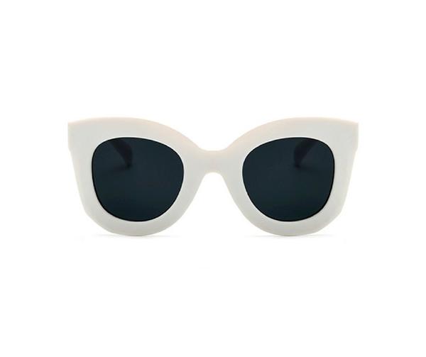 4c834fbe5b04a Gafas de Sol Blancas Modelo Sadira